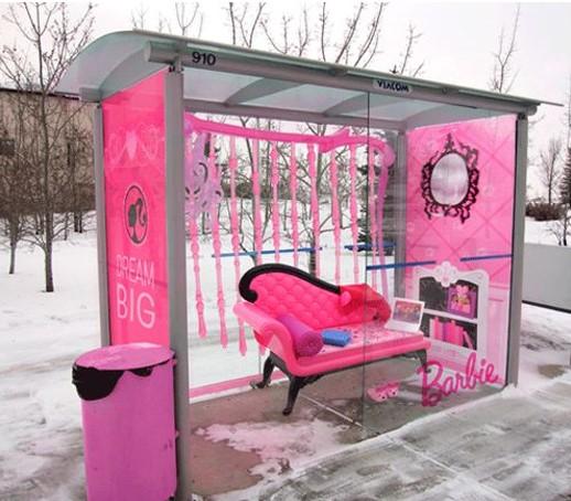street-marketing-barbie